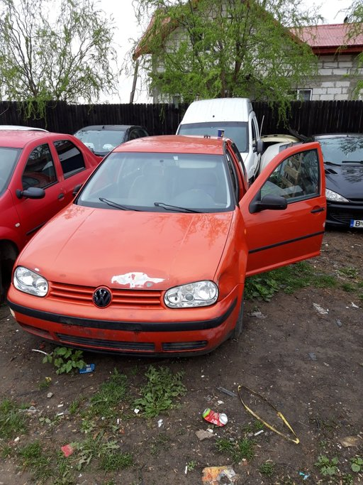 Maner usa stanga spate Volkswagen Golf 4 2002 hatc