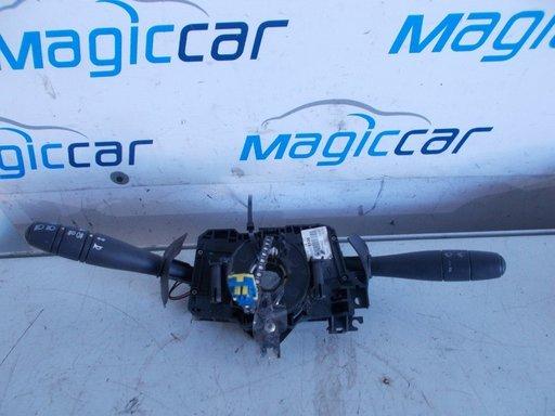 Maneta comenzi volan Dacia Logan SD - 8200375336 / 8200213173 / 820079257 (2004 - 2010)