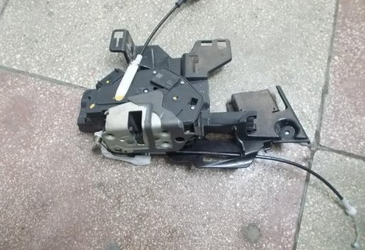 Mecanism inchidere dreapta fata Ford Fiesta VI 8A61-A21978-AE