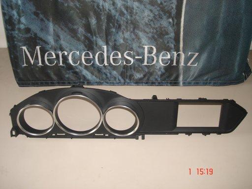 Mercedes C Class W204, 2013, Facelift, Rama ceasuri bord, A2046890239