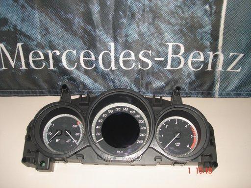 Mercedes C Class W204, Facelift, Ceasuri bord, A2049004509