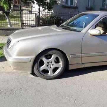 Mercedes e class din 2001 2.7 dezmembrez