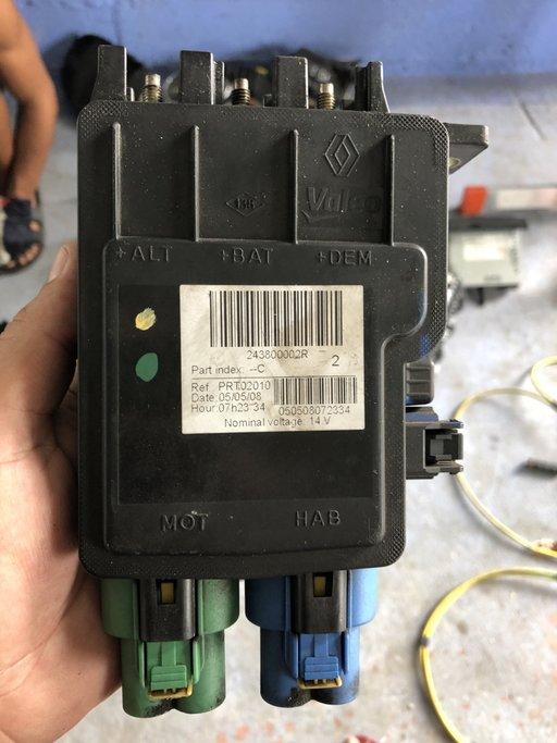 Modul baterie laguna 3 coupe 2.0 dci din 2010 243800002R