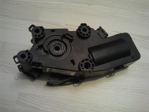 Motoras deschidere capota stanga spate skoda superb II cod 3t0827299b