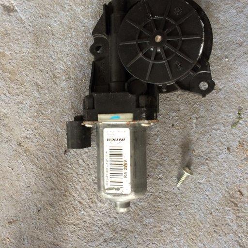 Motoras macara geam spate alfa romeo 159 1.9 jtd 120 cp cod....D294500 Ra2269