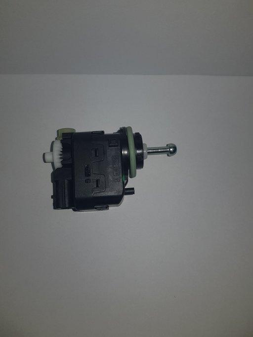 Motoras reglare faruri Renault Master 3 / Trafic 3 / Kadjar - 260562319R