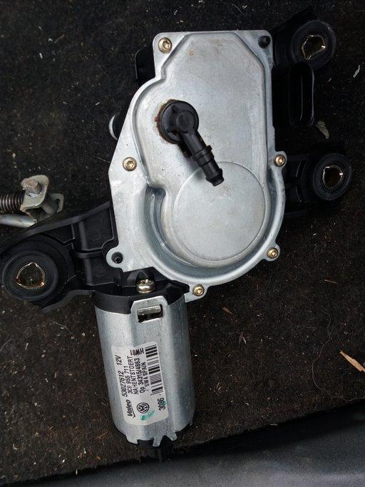 Motoras stergator haion VW Passat B6 cod 3C9955711