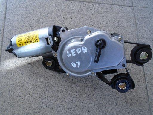 MOTORAS STERGATOR LUNETA SEAT LEON 2007