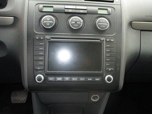 Navigatie cu display mare VW Touran