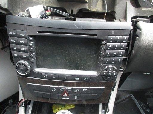 Navigatie originala cu display mare color Mercedes CLS W219