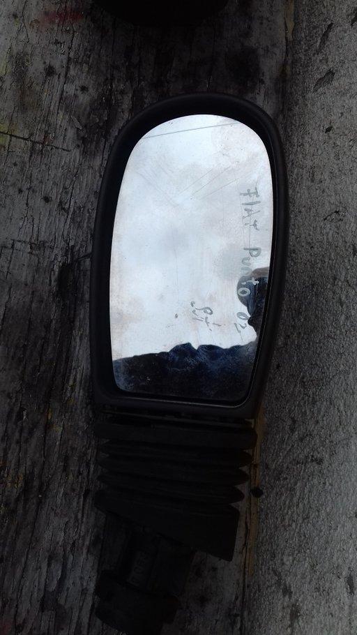 Oglinda retrovizoare st fiat punto 2002