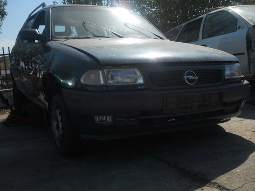 Opel Astra combi din 1995-1,4 multipunct