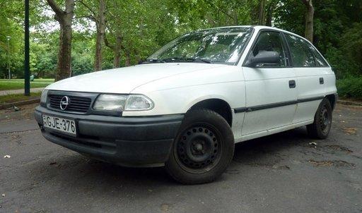 Opel Astra F 1.6 i