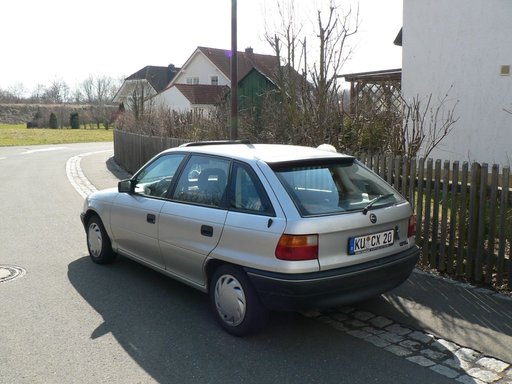 Opel Astra F, an 1992, 55 kw, 1.6 Benzina