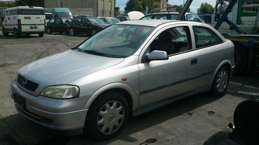 Opel Astra G 3-usi 2.0dtl