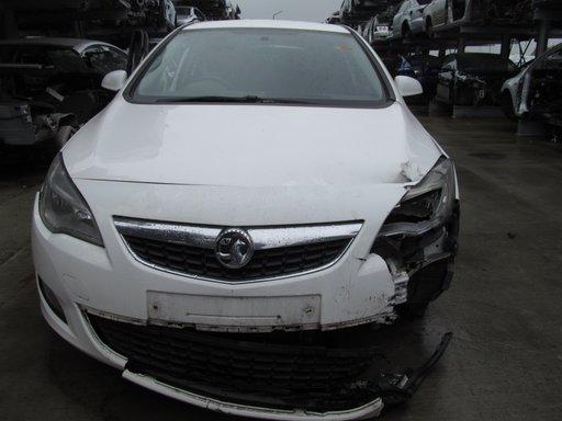 Opel Astra J din 2010