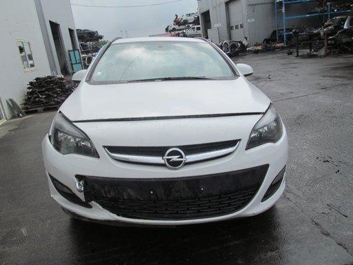 Opel Astra J din 2014