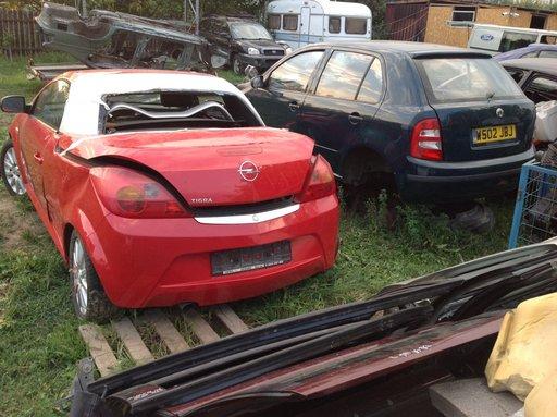 Opel TIGRA 1,4 16v 90 CP, an 2007 la dezmembrat!!!