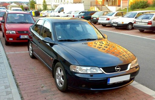 Opel Vectra B 2.0 dti din 2000 dezmembrez