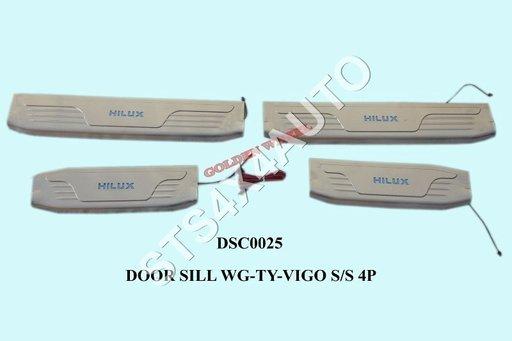 ORNAMENT PRAG DIN INOX TOYOTA HILUX VIGO 2005-2015 CU LED [V1]