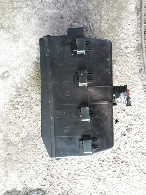 Panou-bloc sigurante-relee Ford Focus 1 ,cod 518276100 / 2M5T-14A067-BB/cod 518261300