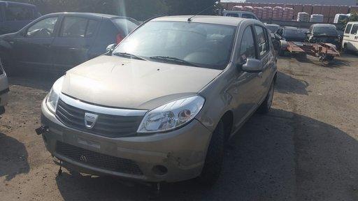 Panou central fata - Dacia Sandeo 1.4 i an 2008