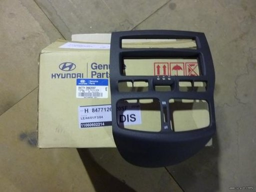 Panou central superior Hyundai Santa Fe (SM ) ( an