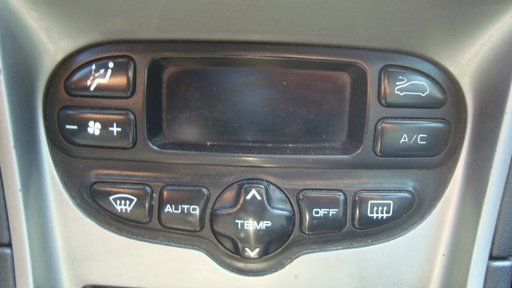Panou clima Peugeot 307 motor 1.4 hdi 8hz din 2003