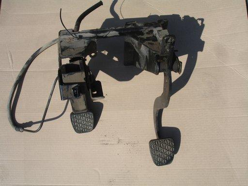 Pedalier mercedes vito w638 an 1998-2003