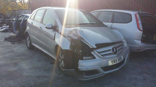 Piese din dezmembrari pentru Mercedes B Class an:2011 culoare:grii 1.5 benzina