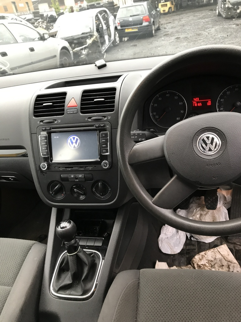 Planetara stanga VW Golf 5 2005 Hatchback 1,6 FSI