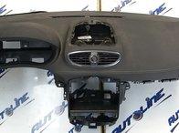 Plansa bord Renault Clio 3, cu airbagul din ea