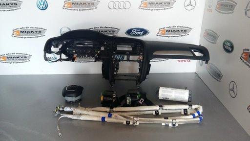 Plansa bord+set airbag-uri+centuri+cortine Audi A4 B8 2009-2012