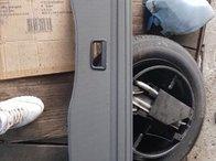 Polita portbagaj Porsche Cayenne an 2006