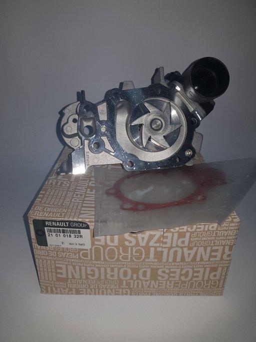 Pompa apa Logan 1.2 16v / Sandero / Clio - 2101018