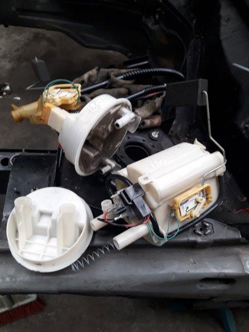 Pompa benzina Mercedes C180 compresor