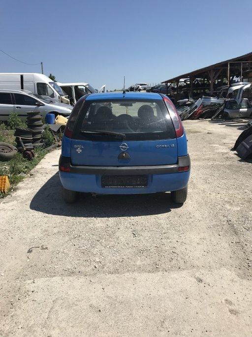 Pompa benzina Opel Corsa C 2002 hatckbak 1,2
