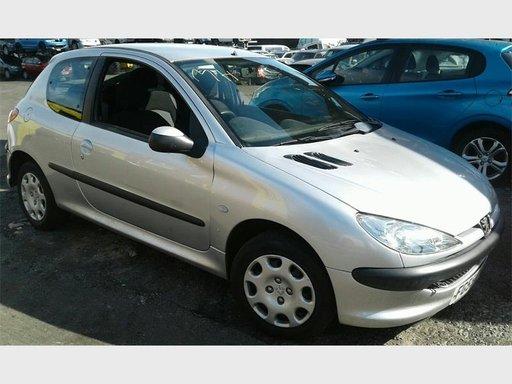 Pompa benzina Peugeot 206 2002 Hatchback 1.4 i