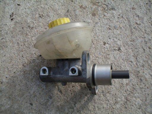 Pompa frana cu vas lichid Audi A4 / A6 / VW Passat