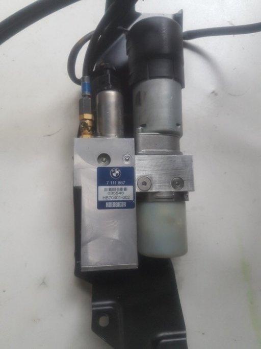 Pompa haion portbagaj electric bmw e61 cod 7111867