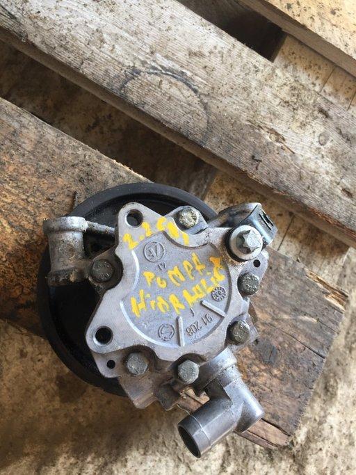 Pompa hidraulica, sistem de directie MERCEDES C-CLASS (W203) (2000 - 2007) cod piesa A 002 466 04 01