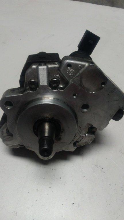 Pompa inalta presiune BMW X5 E70, 3.0 D, '2009, cod. 0445010146