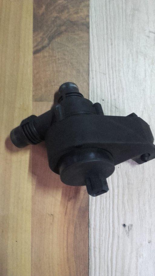 Pompa recirculare apa bmw e60/e61 520/525/530 d
