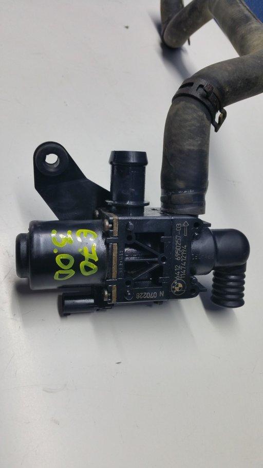 Pompa recirculare apa BMW X5 E70 Cod 6412695025703