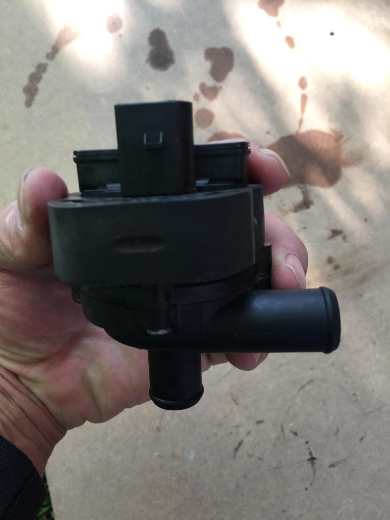 Pompa recirculare apa Mercedes cls w219
