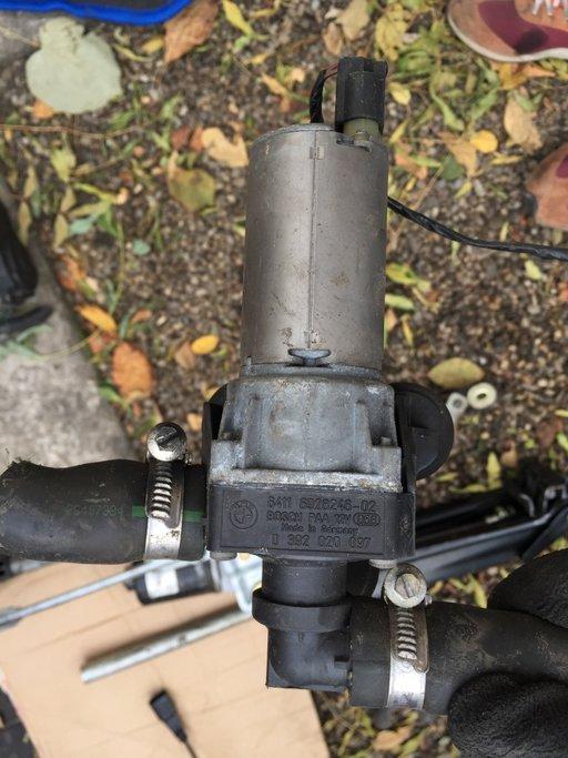 Pompa recirculare lichid racire apa BMW 0392020097