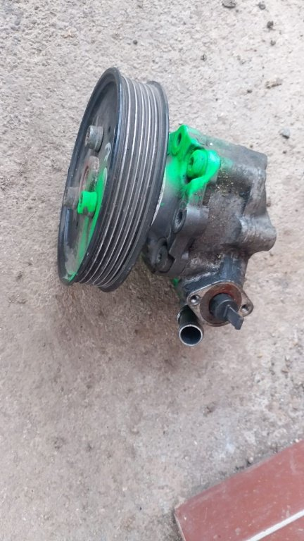 Pompa servo Audi A6 3.0 tdi motor tip CDY, CDYA 2009-2011 4F0145156A