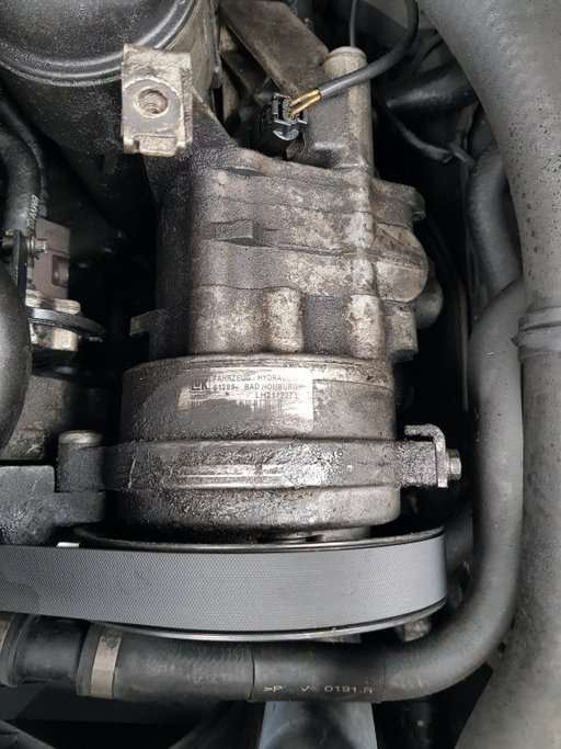 Pompa servodirectie BMW 535D E61 break LH2112271