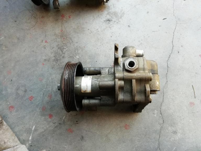Pompa servodirectie BMW X5 E70 678100902