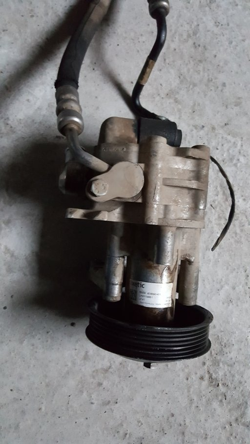 Pompa servodirectie bmw x5 e70 si x6 e71 678390401
